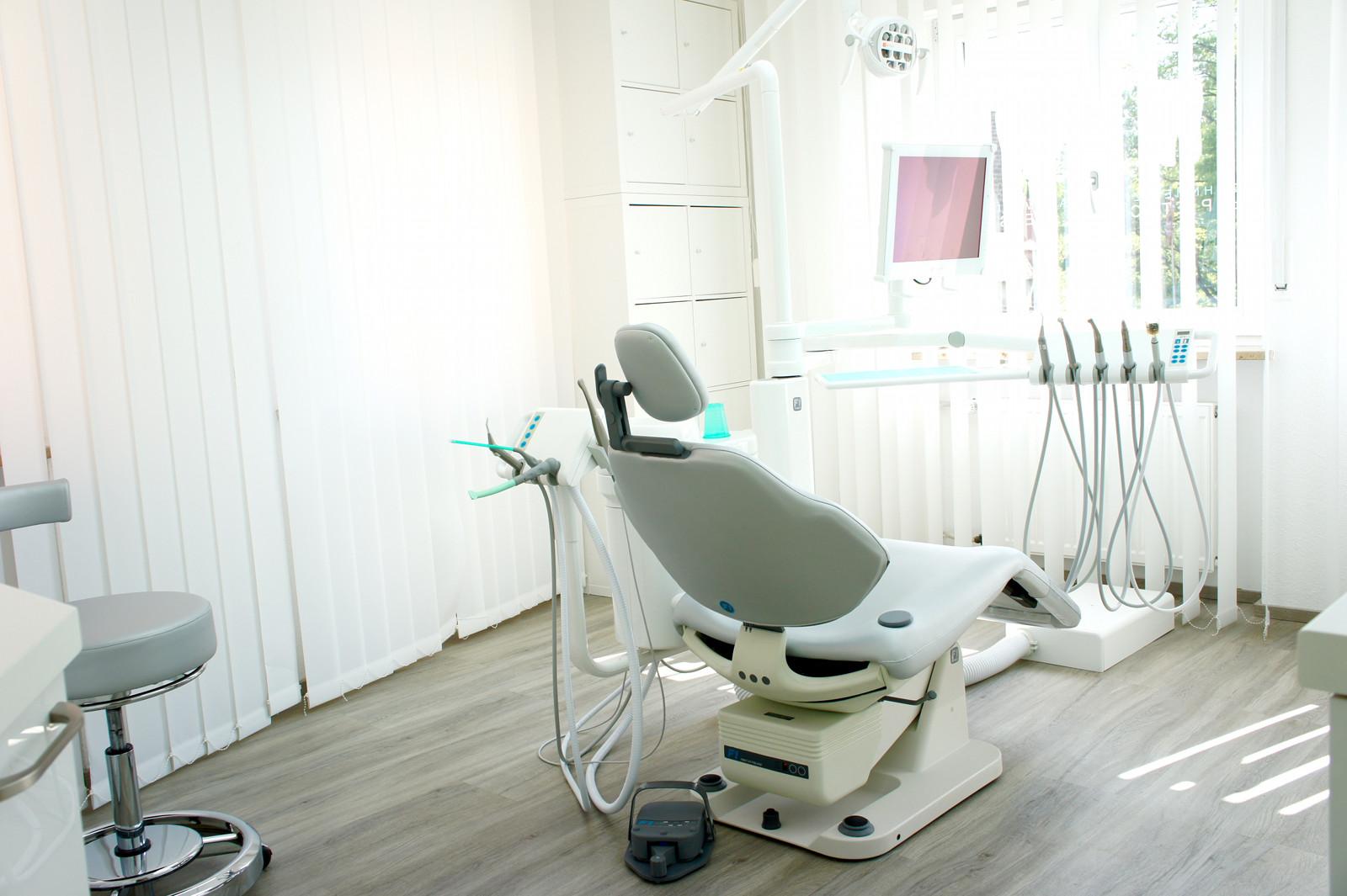 Behandlungszimmer Zahnarzt Lauf Mareike Pietsch