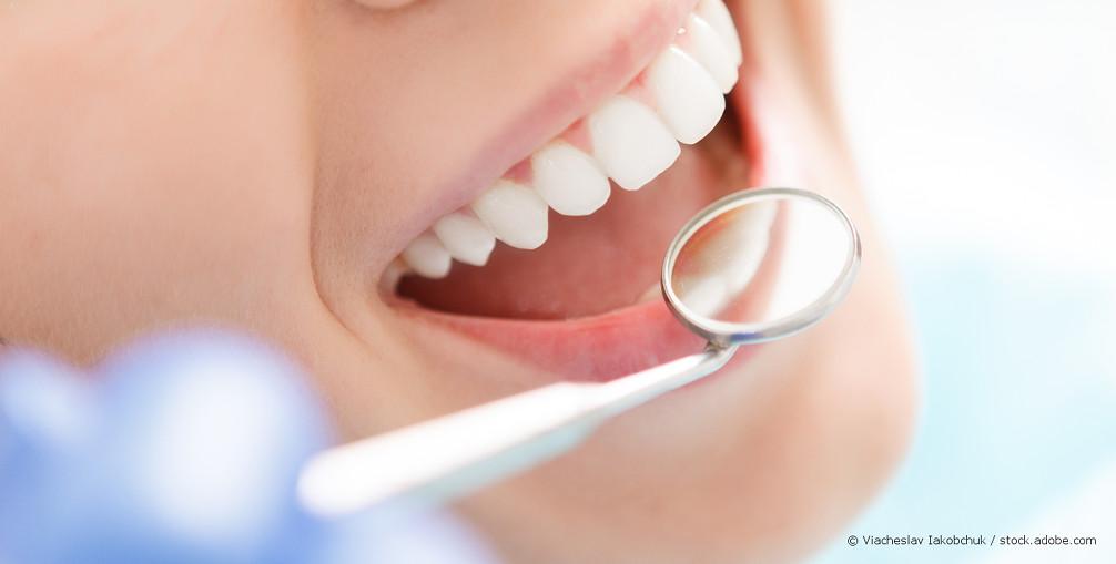 Rotes Tuch Zahnarzt